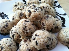 Thumbnail image for Easy Raw Coconut Macaroons with Cacao Nibs